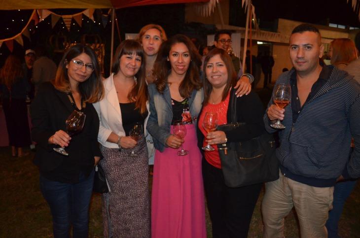 Amigos que acompañaron a las Chinitas en su aniversario