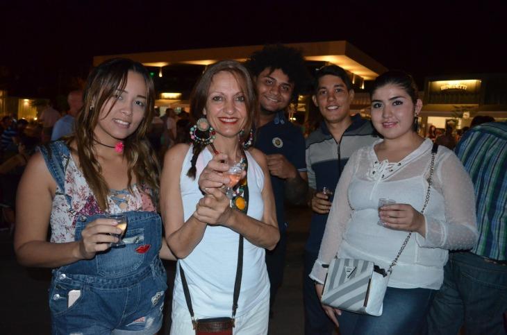 Keinnys Manga Laura Sastron Marlo Mejia Paulo Cunha y Daniela Magdaleno fueron las visitas desde Colombia y Brasil