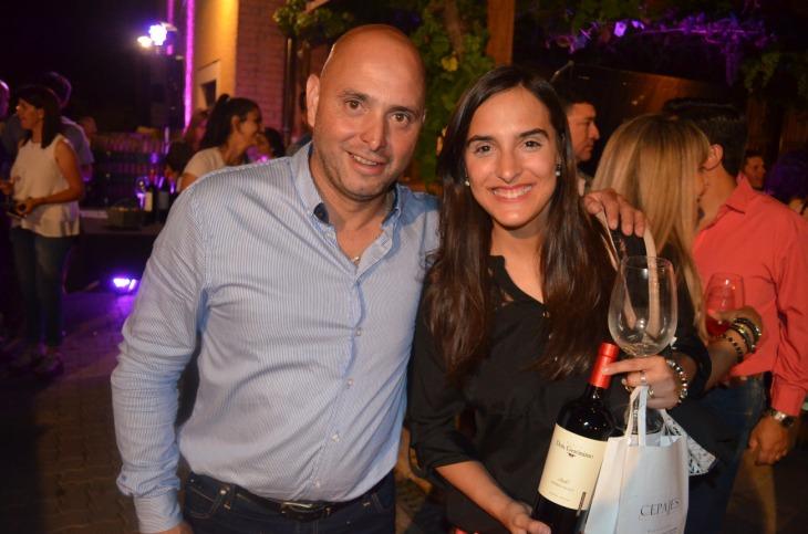 Pablo Ortega y Daniela Gigliotti que se hizo acreedora de una botella de Don Gerónimo